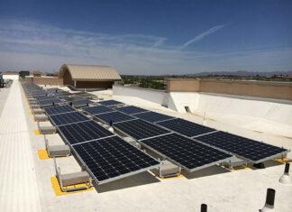 Grzanie wody panelami słonecznymi